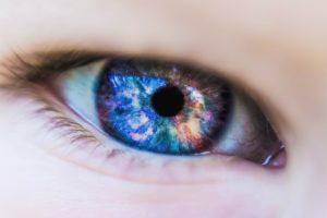 oeil couleur univers